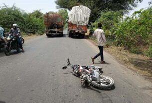 1 killed, 1 seriously injured in truck-motorcycle accident on Yaval Bhusawal road